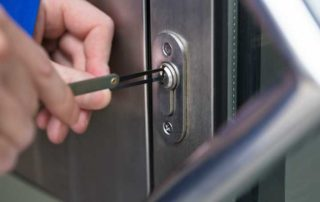 5 Reasons Why Your Business Should Have a Commercial Locksmith on Standby